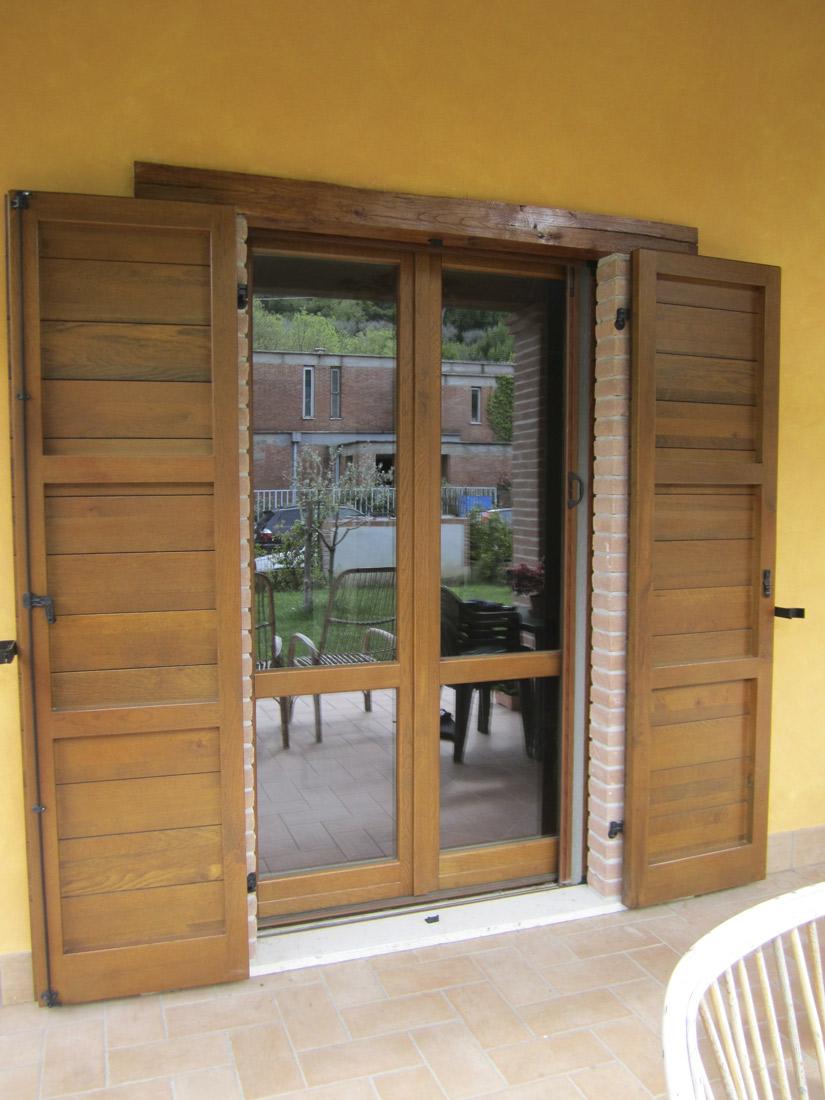L 39 infisso finestre in legno e alluminio - Porta finestra legno ...