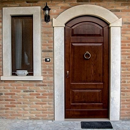 External arched door